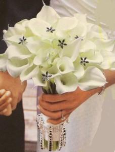 beautiful-winter-wedding-bouquets-53
