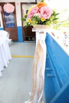 Kvetinova dekoracia na lodi