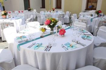 Svadobna vyzdoba stolov