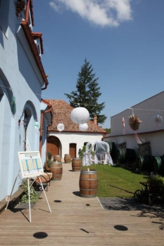 Výzdoba exteriéru Neco winery