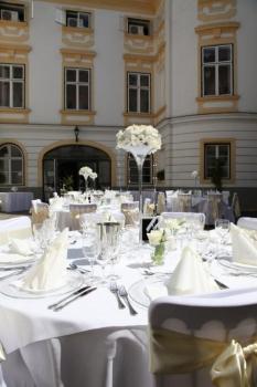 Výzdoba stolov na zámku